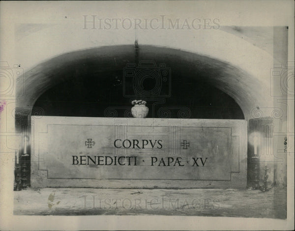1922 Final Resting Place Late Pontiff Bened - Historic Images