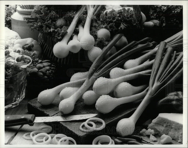 1997 Press Photo Vegetable Spring Onions Food Nature - Historic Images