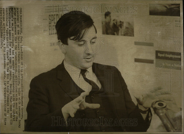 1967 Press Photo Talk CIA affiliation Eugene grove Talk - Historic Images