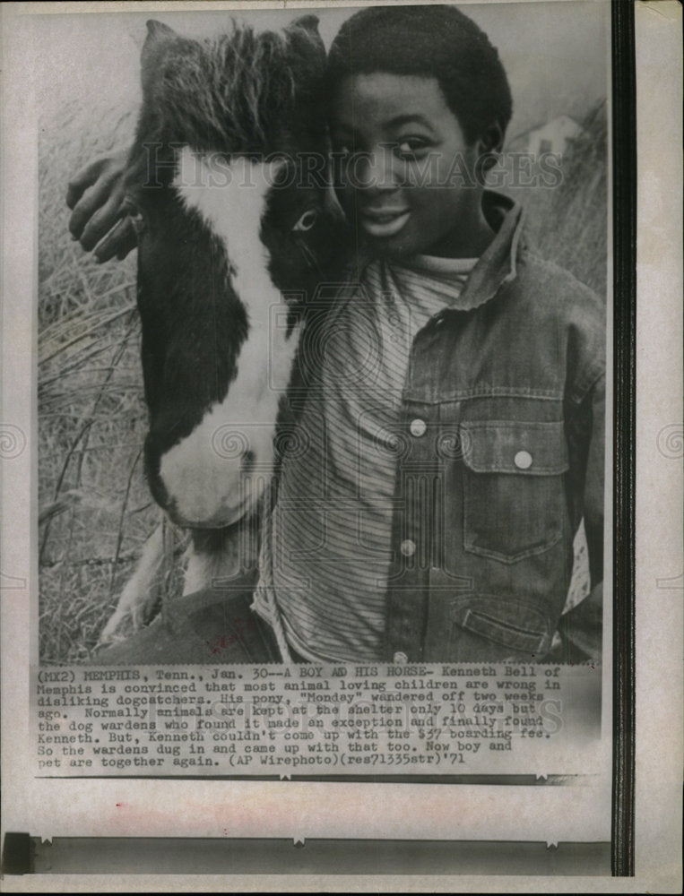 1971 Press Photo Kenneth Bell dogcatchers children - Historic Images