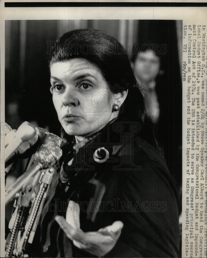 1975 Press Photo Alice M. Rivlin (Economist) - Historic Images