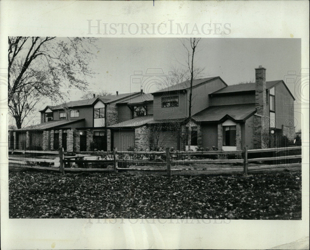 1973 Press Photo Town Houses Homes Mount Prospect  - Historic Images