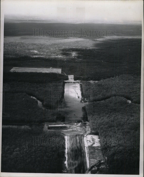 1967 Press Photo Huge Water fall forest   - Historic Images