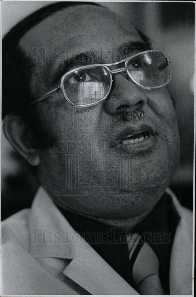 1973 Press Photo  Denver Surgeon Dr.Bernard Gipson. - Historic Images