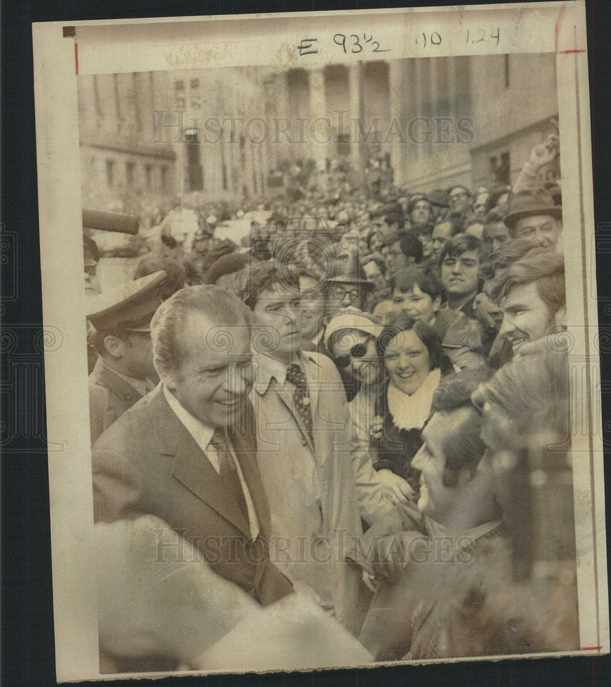 1972 Press Photo President Nixon visit New York crowd  - Historic Images