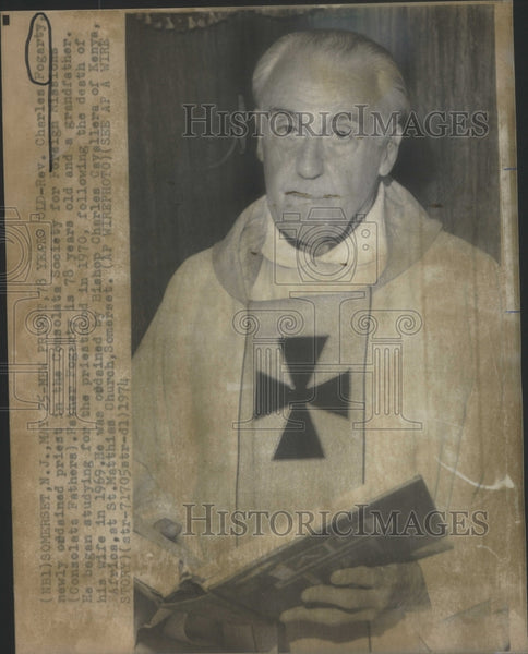 1974 Press Photo Rev Charles Fogarty Priest Consolata Society Foreign Missions - Historic Images