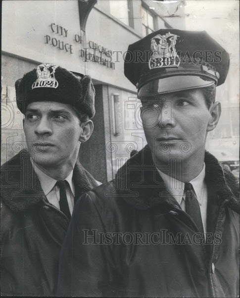 1965 Press Photo Patrolman Thomas A. De Sutter Chicago Raymond Howard Partner - Historic Images