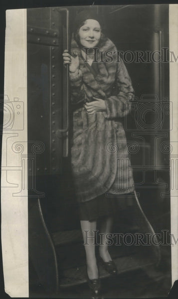 1930 Sharon Lynn Fox film star New York stage entertainer show - Historic Images