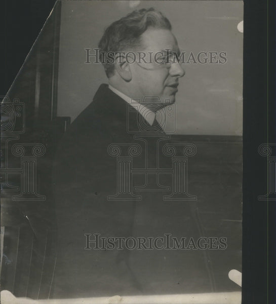 1925 Wife Allegedly affairs Reverend - Historic Images