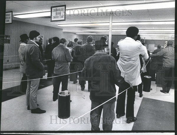 1972 Press Photo Gary Indiana Unemployment Line Government Benefits - Historic Images