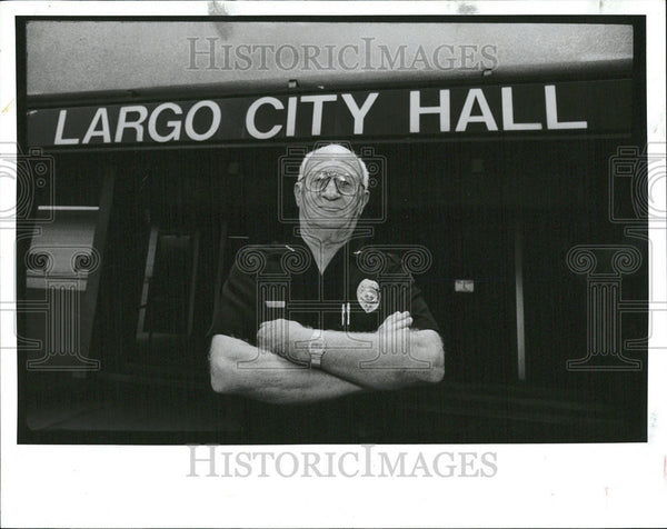 1991 Press Photo Jim Abel City Hall Jim Damaske civic activist - Historic Images