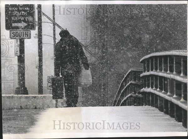 1968 Press Photo Snow Stroms Chicago Kennedy Monroe Climate - Historic Images