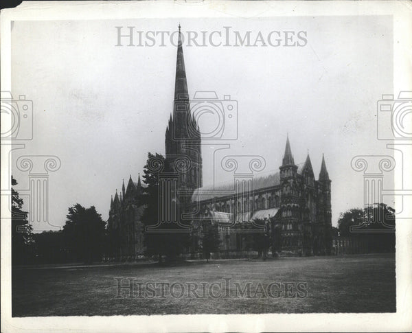 1929 Press Photo Salisbury Cathedral/England/Early English Architecture - Historic Images