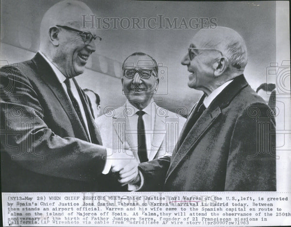 1963 Press Photo Chief Justice Earl Warren U S Greet Spain Chief Jose Castan - Historic Images