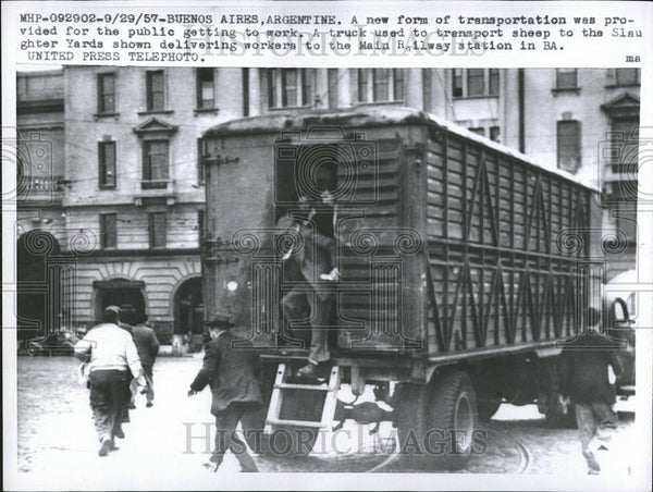 1957 Press Photo New Form Transportation Provide Public Get Work Argentine - Historic Images