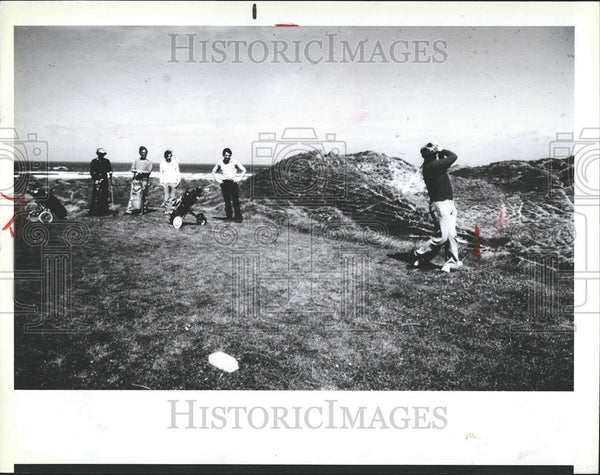 1989 Press Photo Golf Courses Ireland Tralee sportsman Museum Louvre Paris - Historic Images