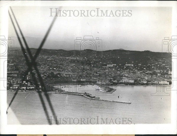1936 Press Photo Mrs Ernest Simpson Mr Herman Rogers France Riviera Resort Vlla - Historic Images