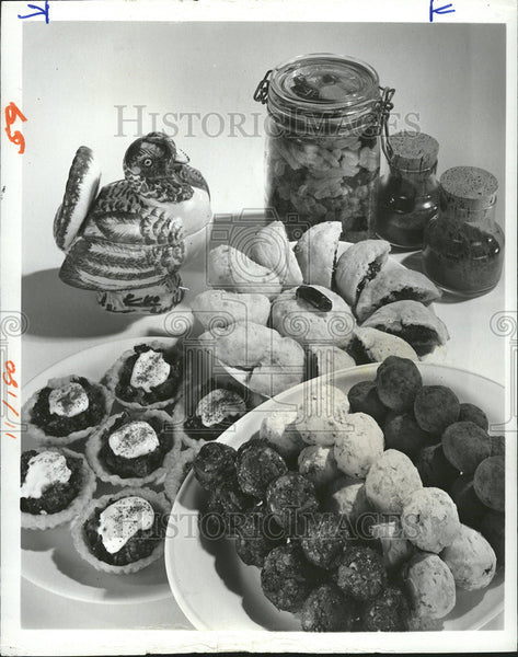 Press Photo Fruits Nuts Spice Thanksgiving - Historic Images