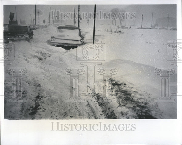 1965 Press Photo Detroit snow storm - Historic Images