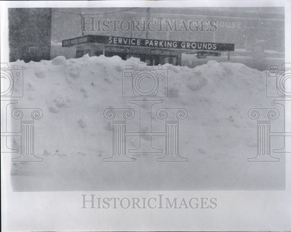 1965 Press Photo Parking Lot Washington Building storms Detroit - Historic Images