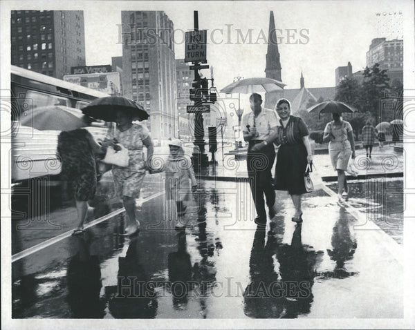 1966 Press Photo Storms Detroit Michigan - Historic Images