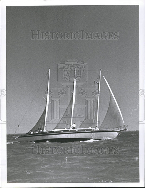 Press Photo United States gunboat Huron Rebel Schooner Water men Sea - Historic Images