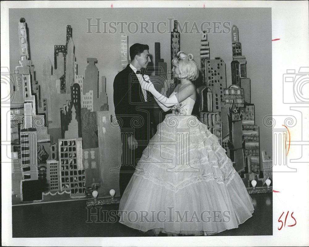 1965 Press Photo School Prom Couple Joan Lester Craig Tippery Manhattan - Historic Images