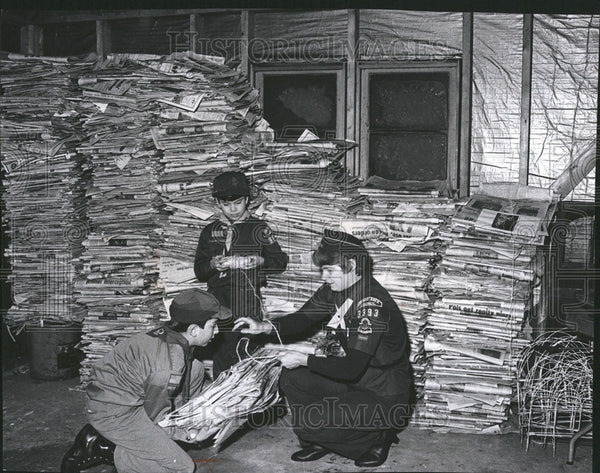 1935 Press Photo Boy Scout Paper Drive Collection Boys Stringing Papers - Historic Images