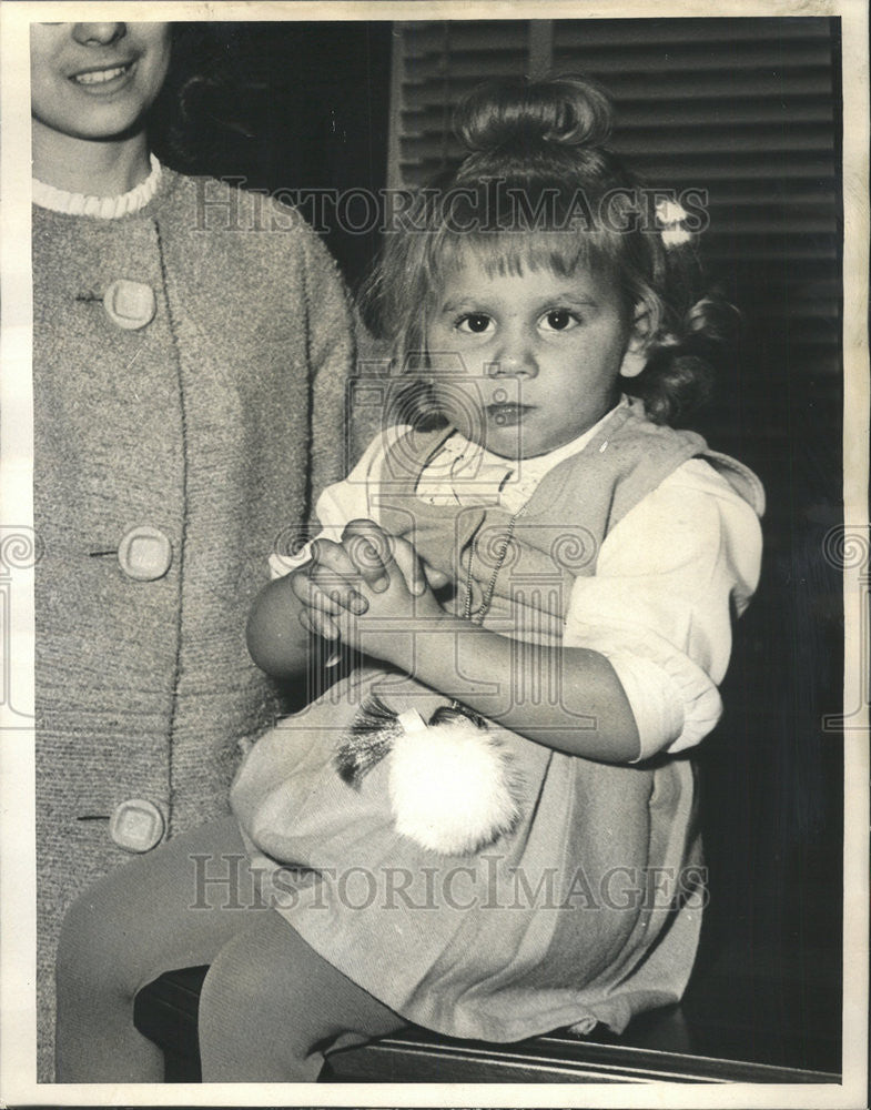 1965 Press Photo Ramona carper Tiny girl Krebiozen Trial St. Louis Hospital - Historic Images