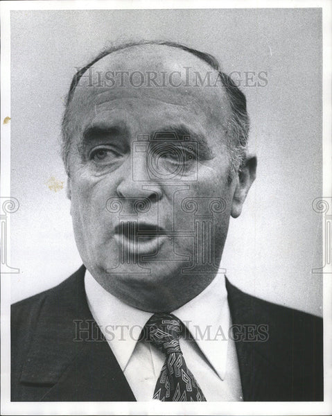 1975 Press Photo Consulate General Israel Mr Ehud Avriel John White Snap Pose - Historic Images