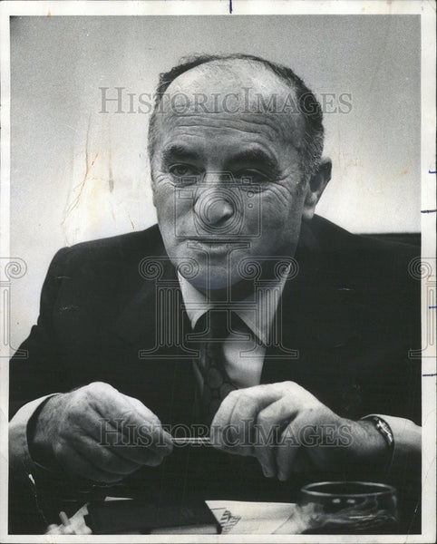 1975 Press Photo Ehud Avriel Israel Consul General Midwest Chicago - Historic Images