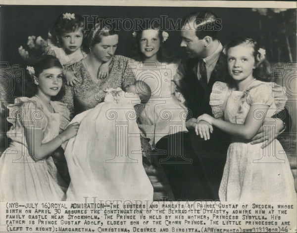 1946 Press Photo The Sisters and parents of Prince Gustaf of Sweden. - Historic Images
