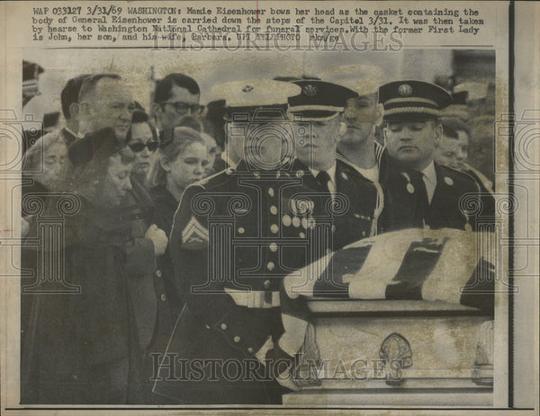 1969 Press Photo Mamie Eisenhower Washington National Cathedral John Barbara - Historic Images