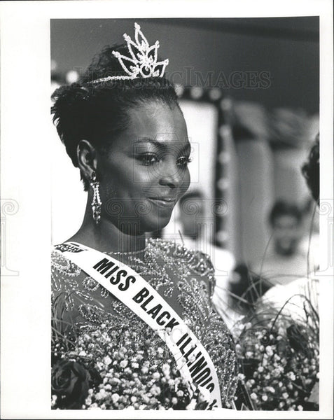 1989 Press Photo Jeannie Blakney Lynwood Crowned Miss Black Illinois Chicago - Historic Images