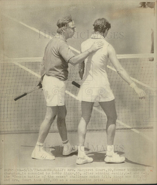 1973 Press Photo Mrs Margaret Court Wimbleton Champion Bobby Riggs California - Historic Images