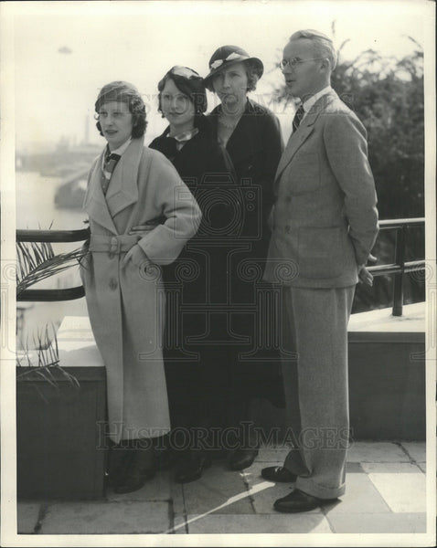1934 Press Photo Betty Green,Louise Helenbek,Irene Adams,Capt Jack Reilly - Historic Images