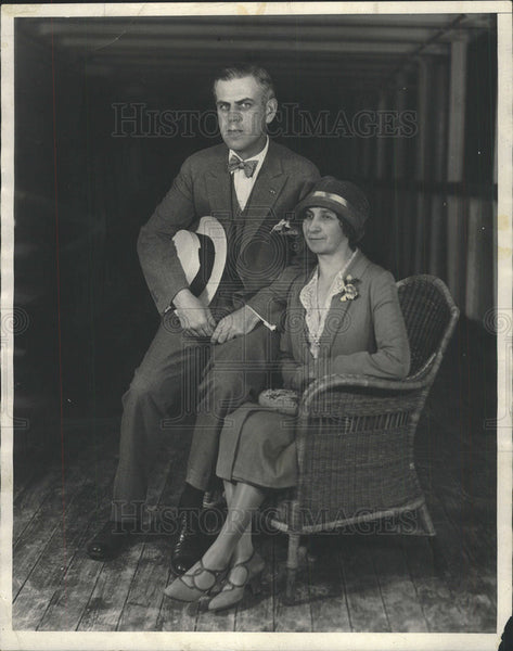 1927 Press Photo Alfred S.Wilson Sailing for Europe with his bride. - Historic Images