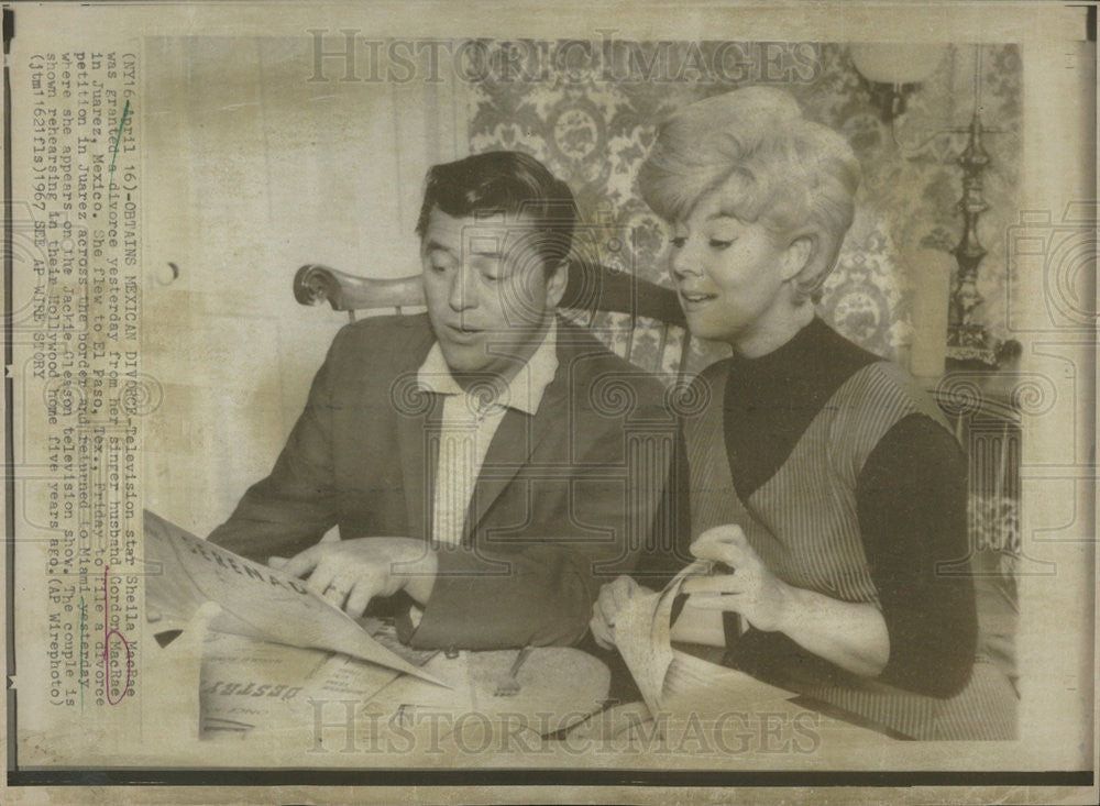 1967 Press Photo GORDON MACRAE AMERICAN ACTOR SINGER  SHEILA MACRAE - Historic Images