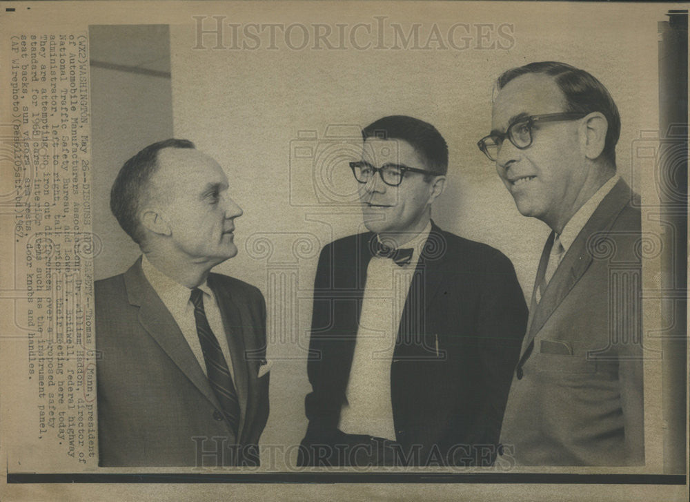 1967 Press Photo Thomas Mann William Haddon Lowell Bridwell Car Safety Standard - Historic Images