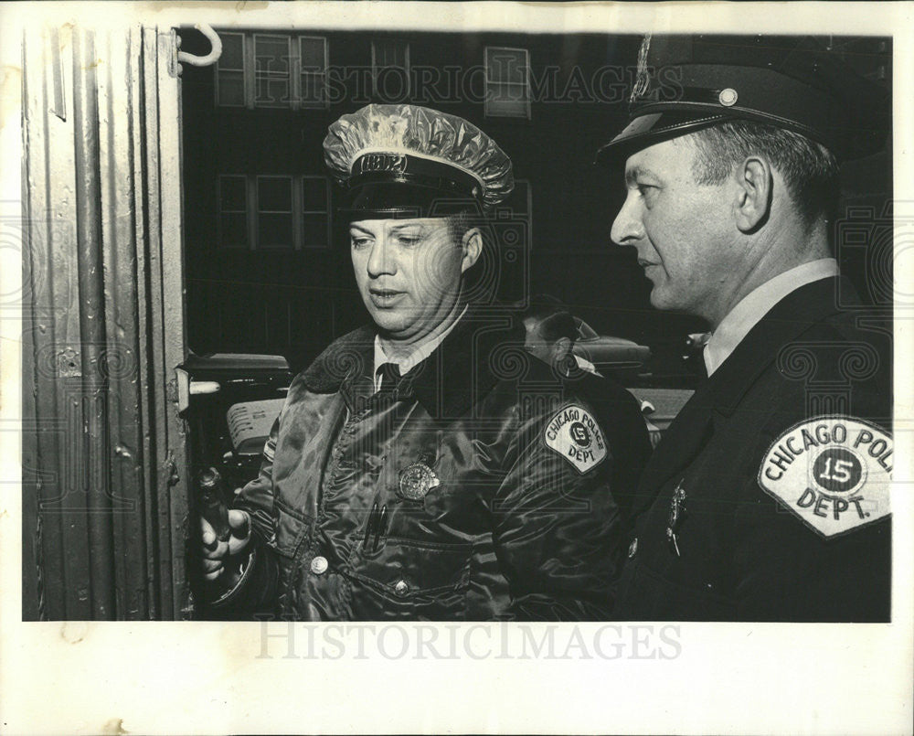 1965 Press Photo Officer Cosmo Cammella,Officer Albert Crajecka - Historic Images