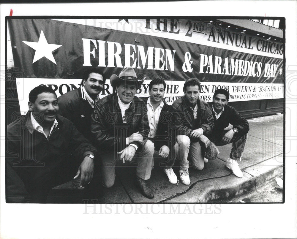 1990 Press Photo Chicago Firemen Paramedics Day - Historic Images
