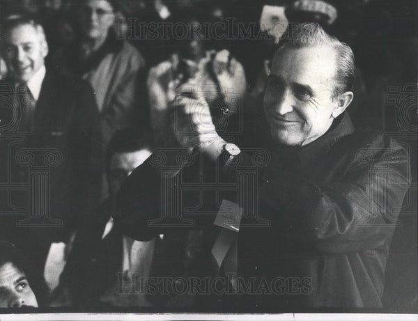 1975 Press Photo Walter Rybarski, Winner Of $50,000 In Illinois State Lottery - Historic Images