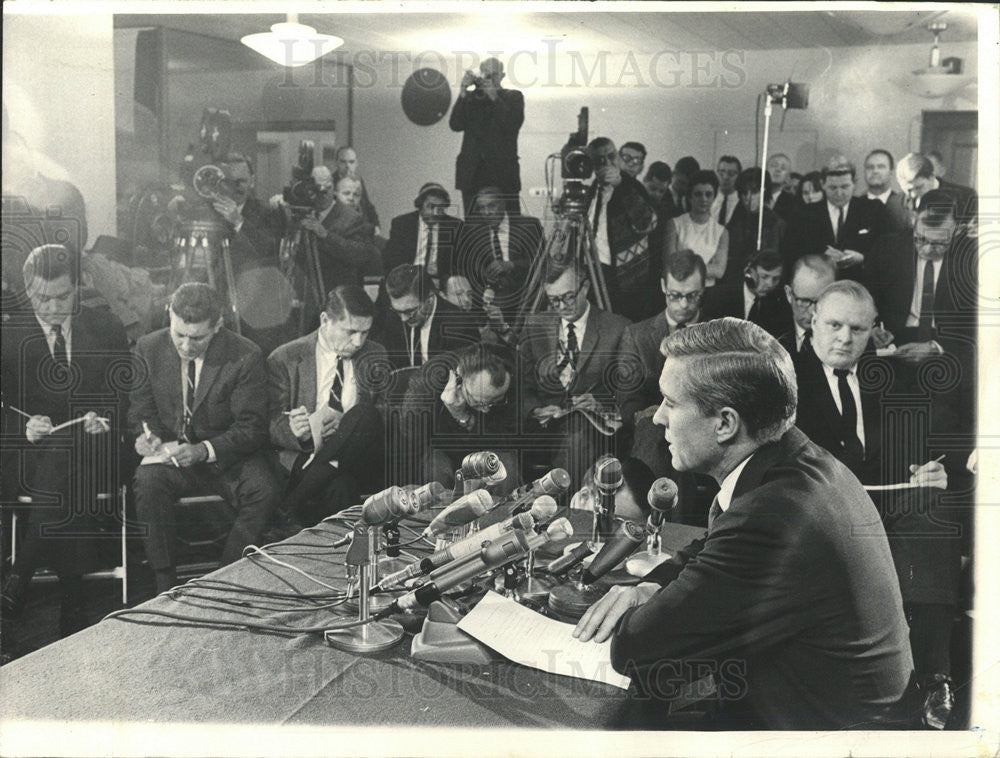 1966 Press Photo Charles Percy press conference - Historic Images
