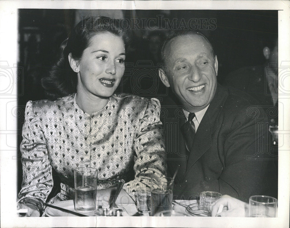 1944 Press Photo Producer Joe Pasternak and wife   Historic Images
