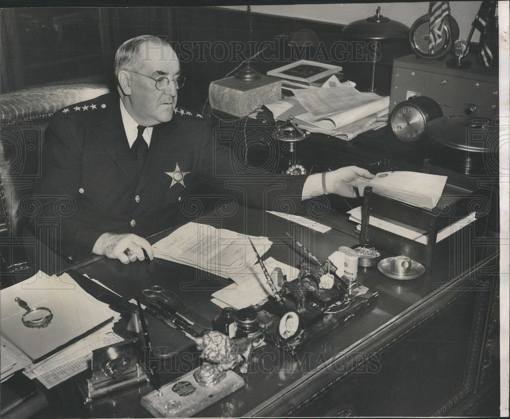 1946 Press Photo Police Commissioner Prendergast Celebrating Birthday At Desk - Historic Images