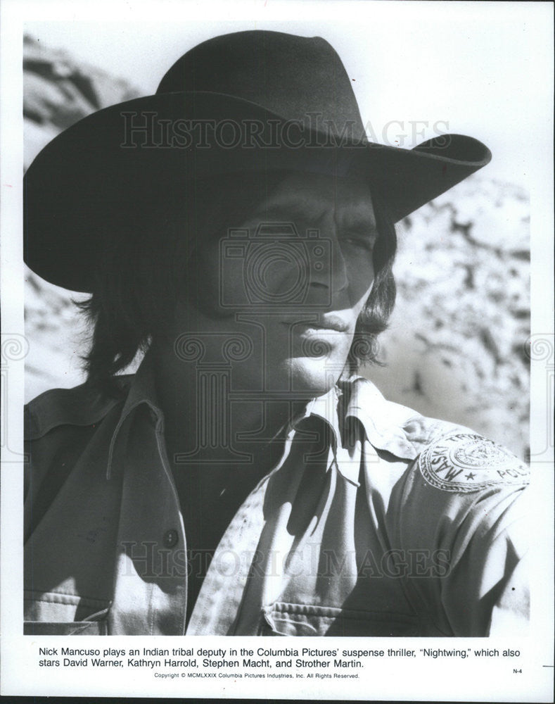 "1979 Press Photo Nick Mancuso Canada Actor Play Indian Tribal Deputy ""Nightwing"" - Historic Images"