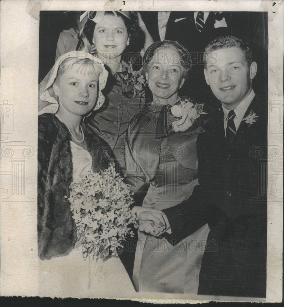 1958 Press Photo Actress Helen Hayes' Son James MacArthur Weds - Historic Images