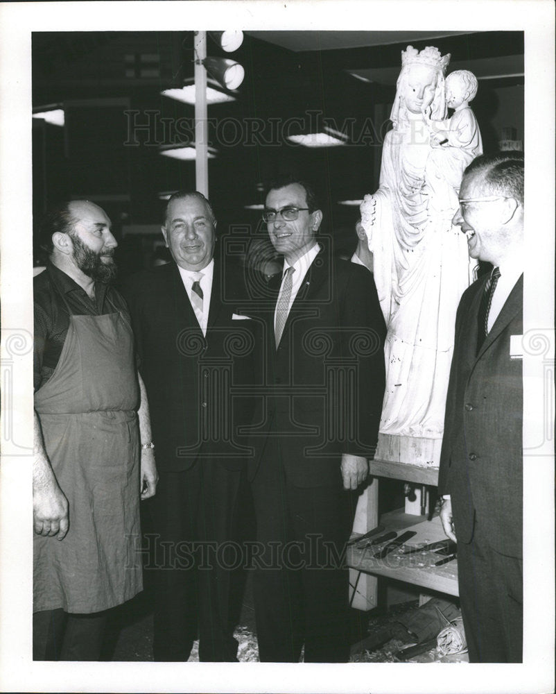 1963 Press Photo Madonna Child Sculpture Presentation Chicago Mayor Daley - Historic Images
