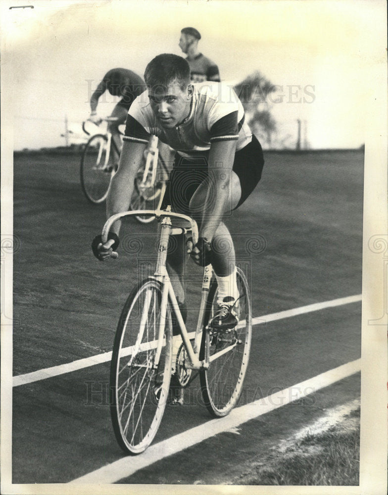 1963 Press Photo Ed Rudolph trying for bike racer in 64 Olympics - Historic Images