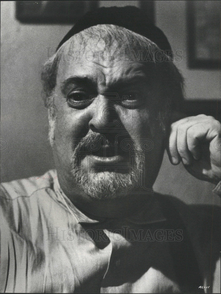 1970 Press Photo The Angel Levine Film Actor Mostel Filming Picture - Historic Images